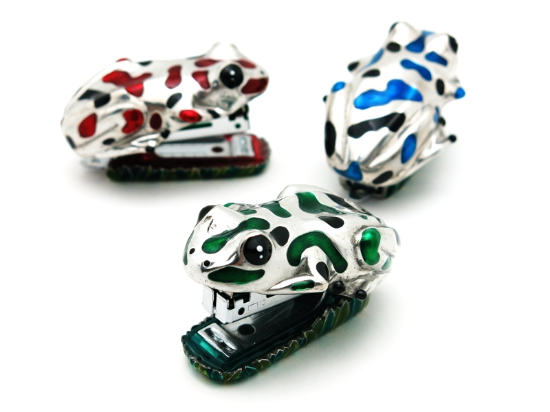 STAPLER FROG COLOUR